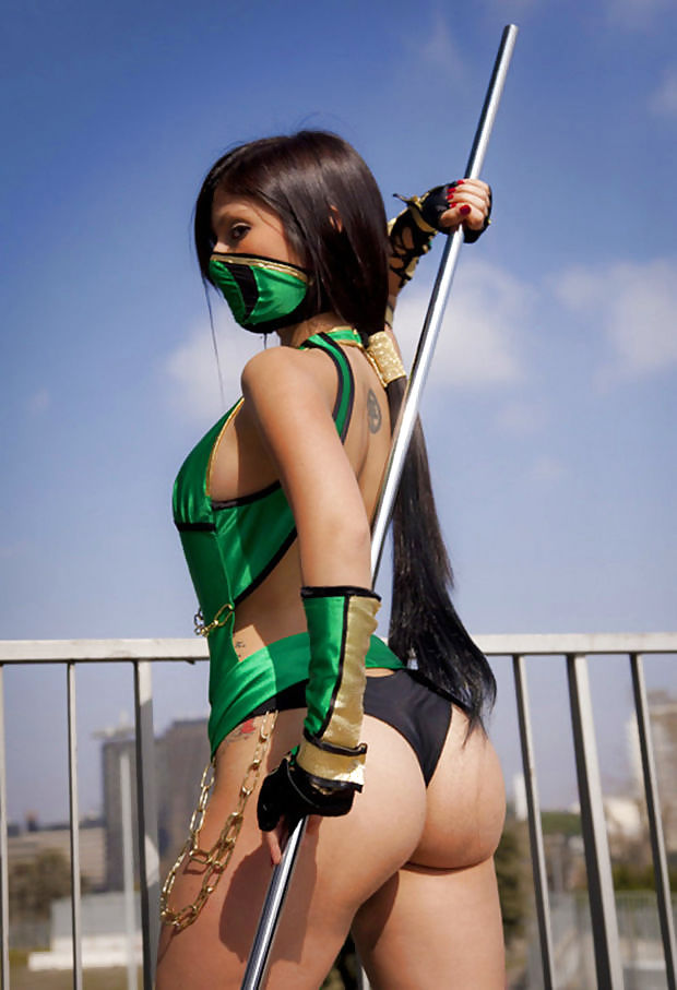 More of That Amazing Mortal Kombat Kosplay