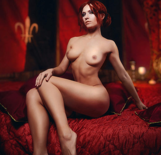 Triss Merigold Gets Naked in These Unbelievable Witcher Cosplay Photos [4 Pics]