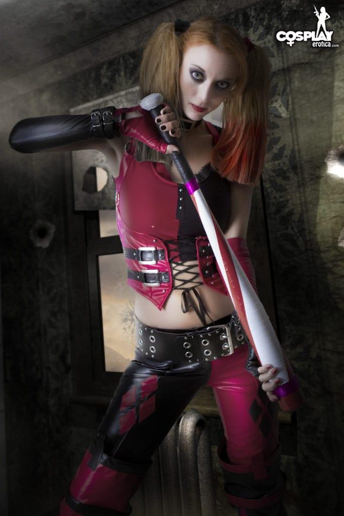 harley quinns revenge cosplay erotica (1)