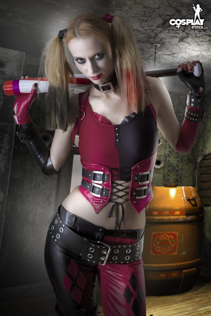 harley quinns revenge cosplay erotica (3)