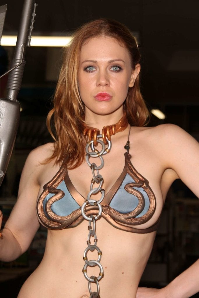 Maitland-Ward_-Princess-Leia-at-Meltdown-Comics-2014--13