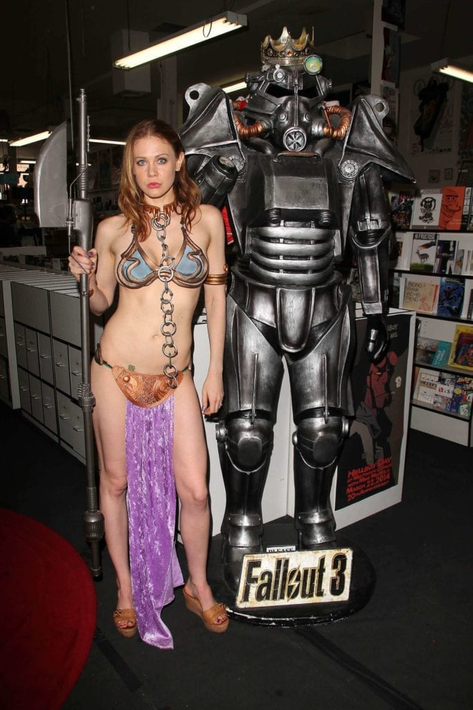 Maitland-Ward_-Princess-Leia-at-Meltdown-Comics-2014--31